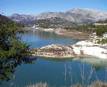 lake of Guadalest, used to have much more water